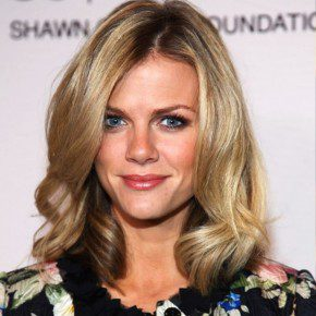 Celebrity Brooklyn Decker Hairstyle