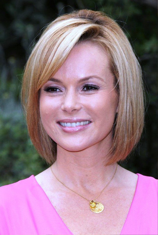 Cute Short Straight Bob Hairstyle Detail: