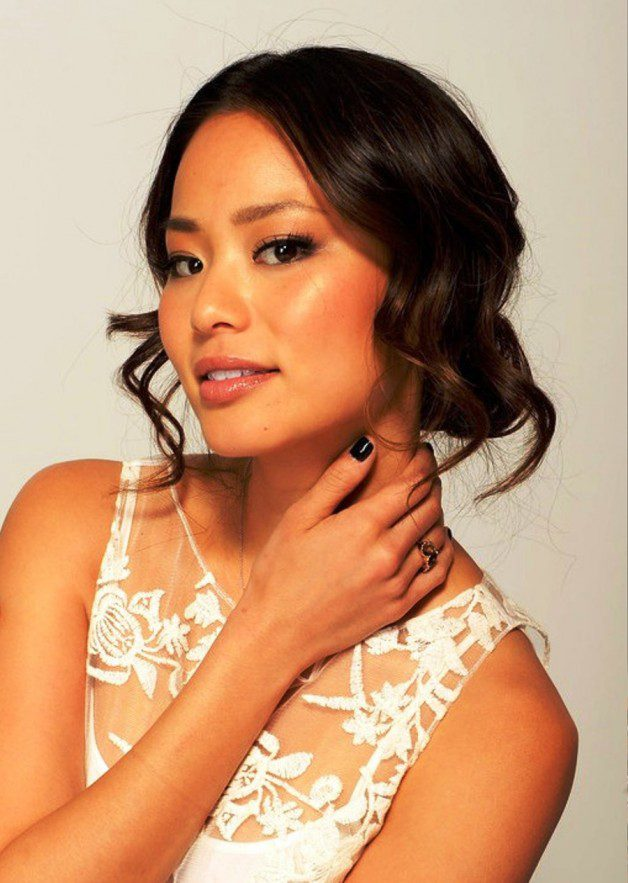 Jamie chung loose wavy updo hairstyle with curls detail Long medium golden brown hairstyle with thin bangs
