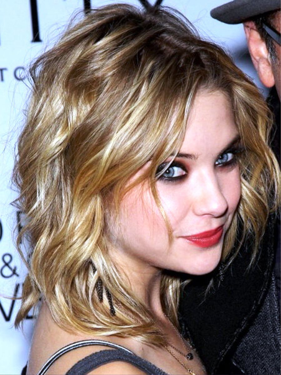 Ashley benson .