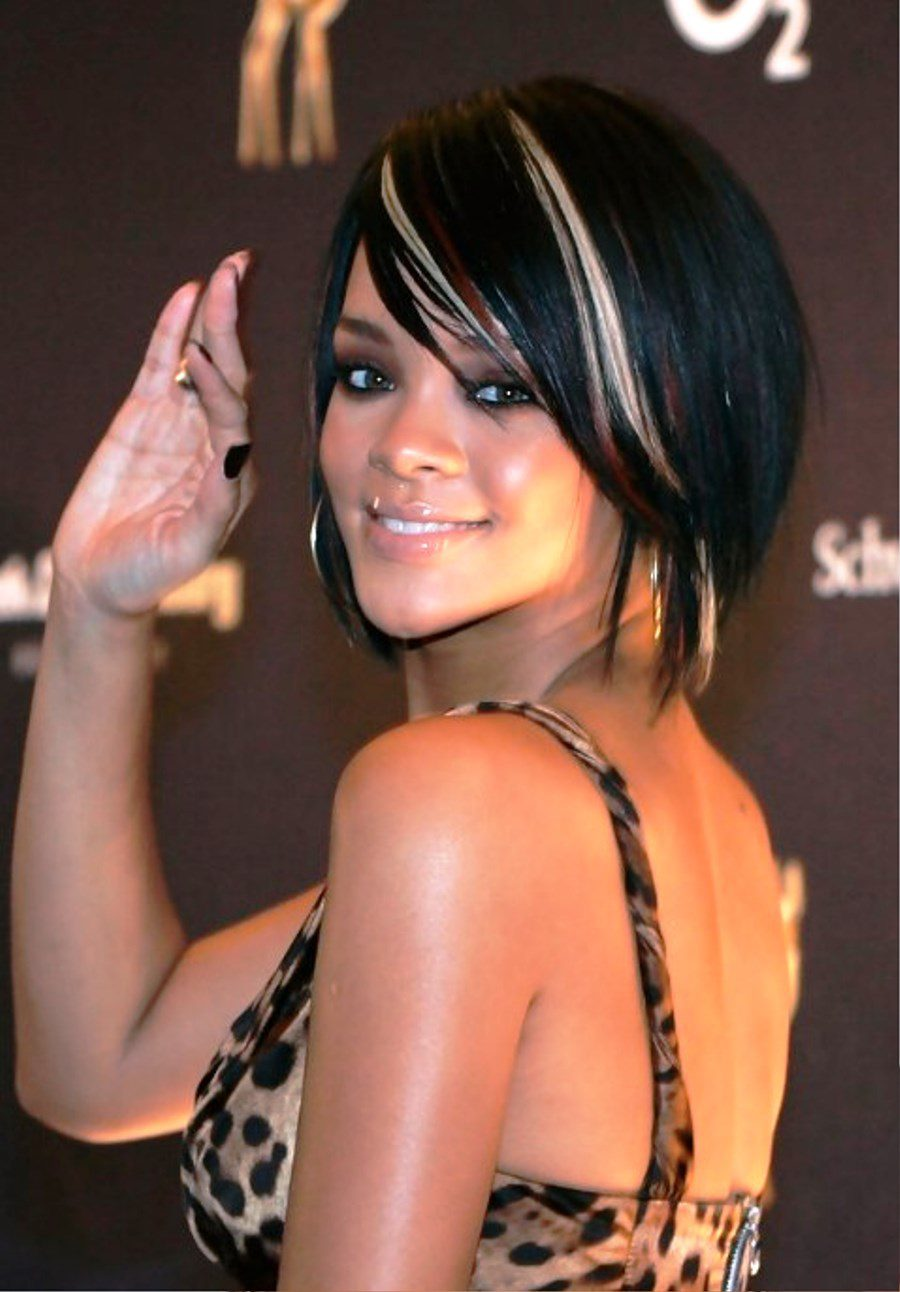 Pictures of Rihanna Short Bob Hairstyle