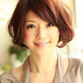 Sweet Japanese Hairstyle For Women