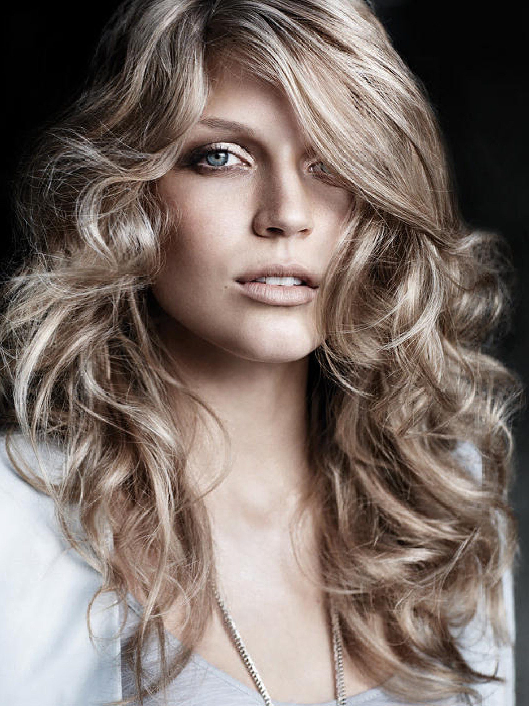 curly-prom-hairstyles-for-long-hair-6