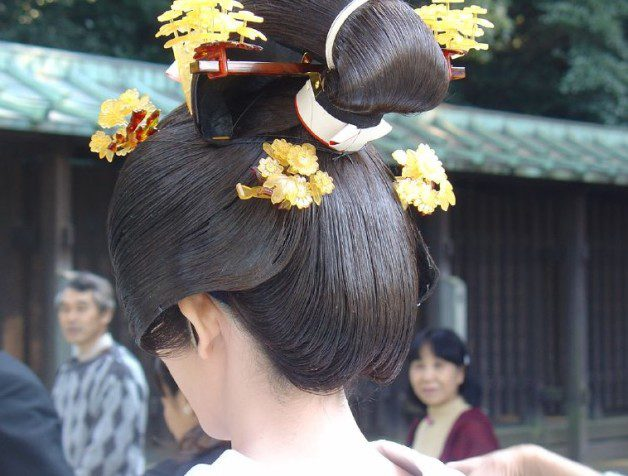 japanese halloween hairstyle