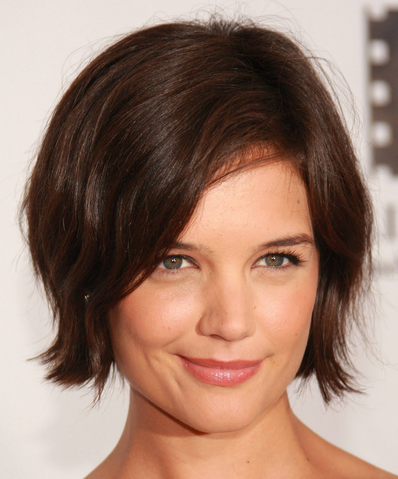 of Short Hairstyles Young Women