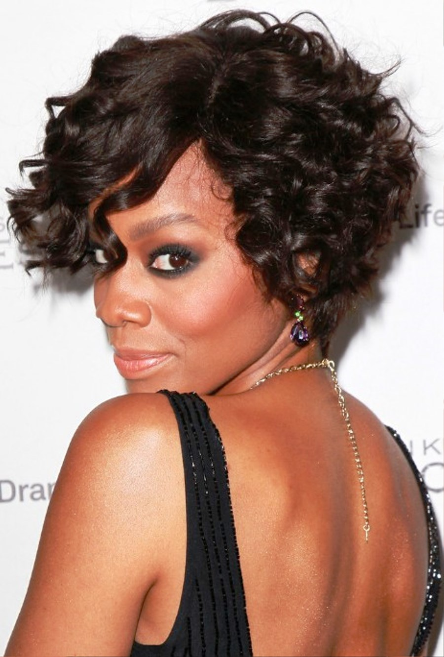 Pictures of Anika Noni Rose Short Curly Bob Hairstyle