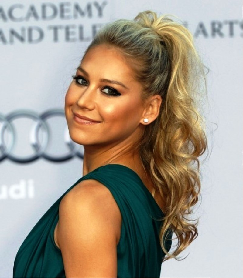 Anna Kournikova Curly High Ponytail Hairstyle Pictures