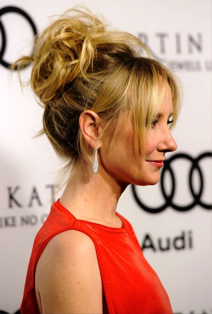 Pictures Of Anne Heche Sexy Messy Updo With Tousled Curls