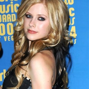 Avril Lavigne Long Curly Hairstyle