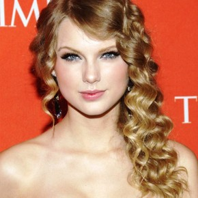 Beautiful Curly Hairstyles For Prom