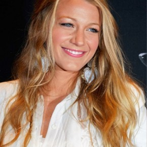 Blake Lively Loose Half Up Half Down Hairstyle