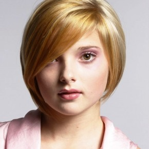 Blonde Short Hairstyles For Round Faces