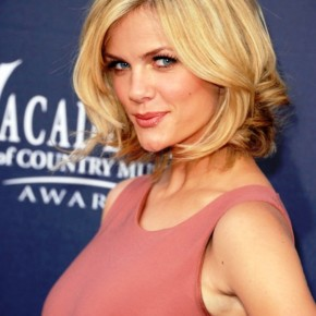 Brooklyn Decker Sexy Short Bob Haircut
