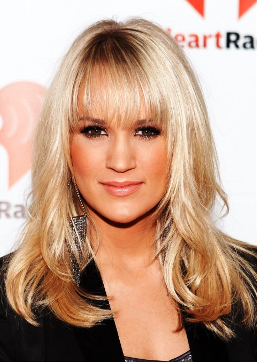 Pictures Of Carrie Underwood Long Straight Hairstyles