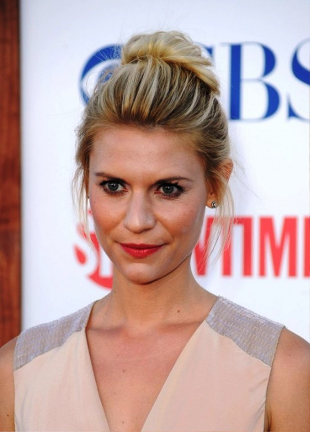 Claire Danes Casual Loose High Bun Updo
