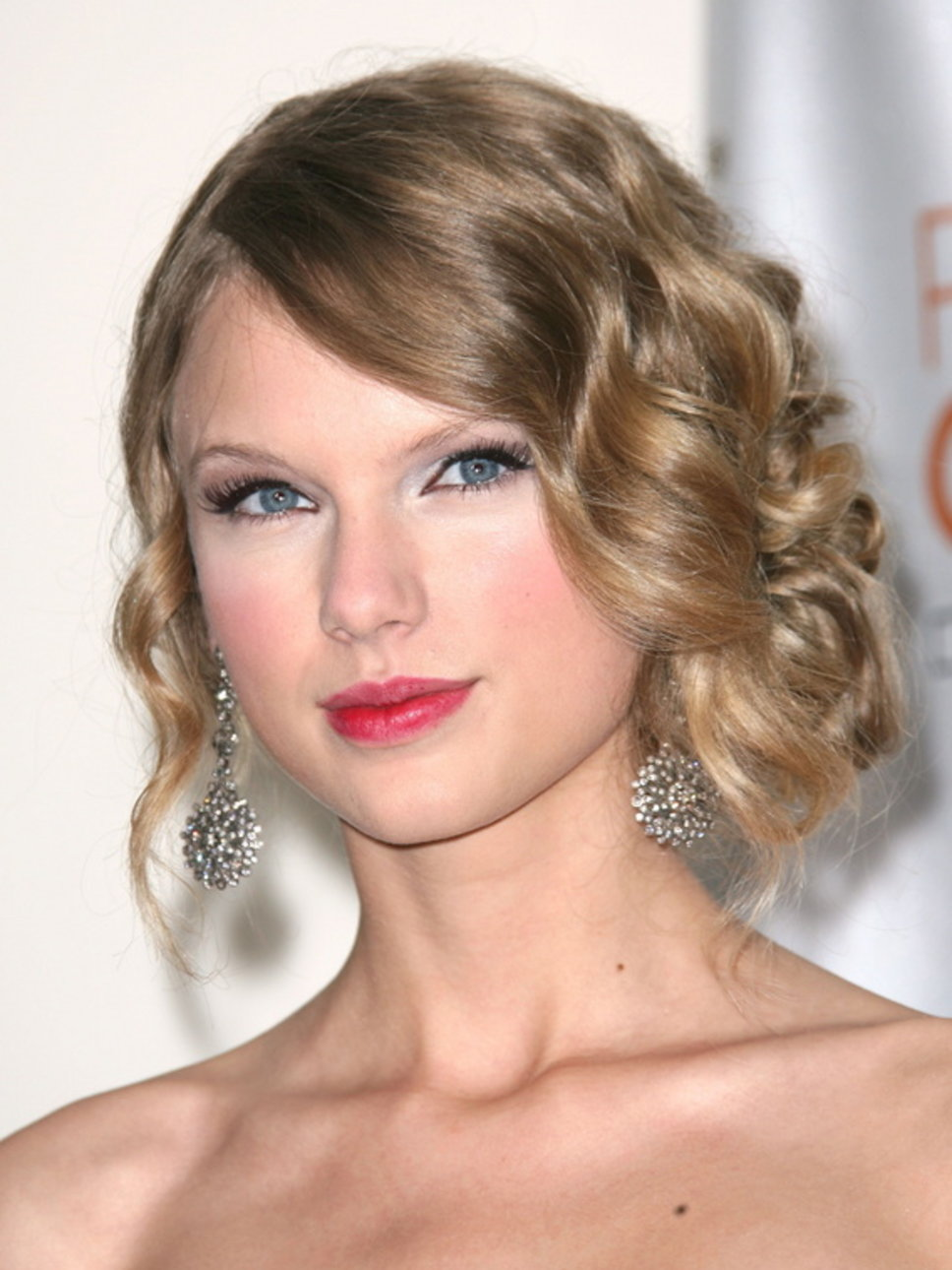 Pictures of curly hairstyles casual updos curly hairstyles casual updos pmusecretfo Choice Image