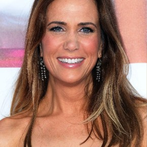 Cute Kristen Wiig Long Sleek Hairstyle