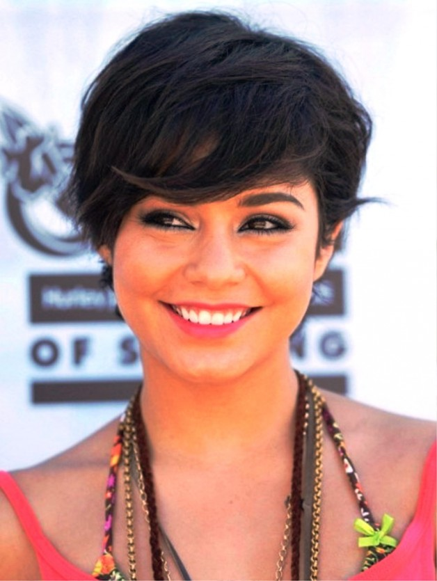 Cute Layered Short Hairstyle With Full Side Swept Bangs