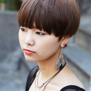 Cute Short Japanese Girls Hairstyle With Blunt Bangs