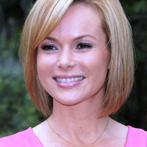 Cute Short Straight Bob Hairstyle