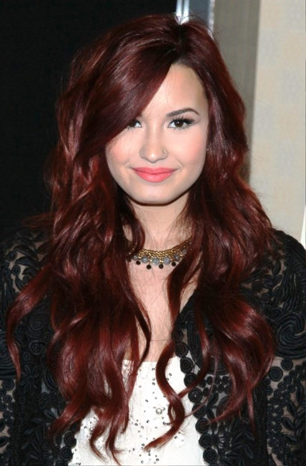 demi lovato long wavy red hairstyle behairstylescom