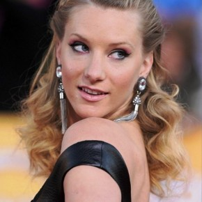Heather Morris Half Up Half Down Prom Curly Hairstyle