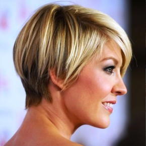 Jenna Elfman Layered Razor Hairstyle