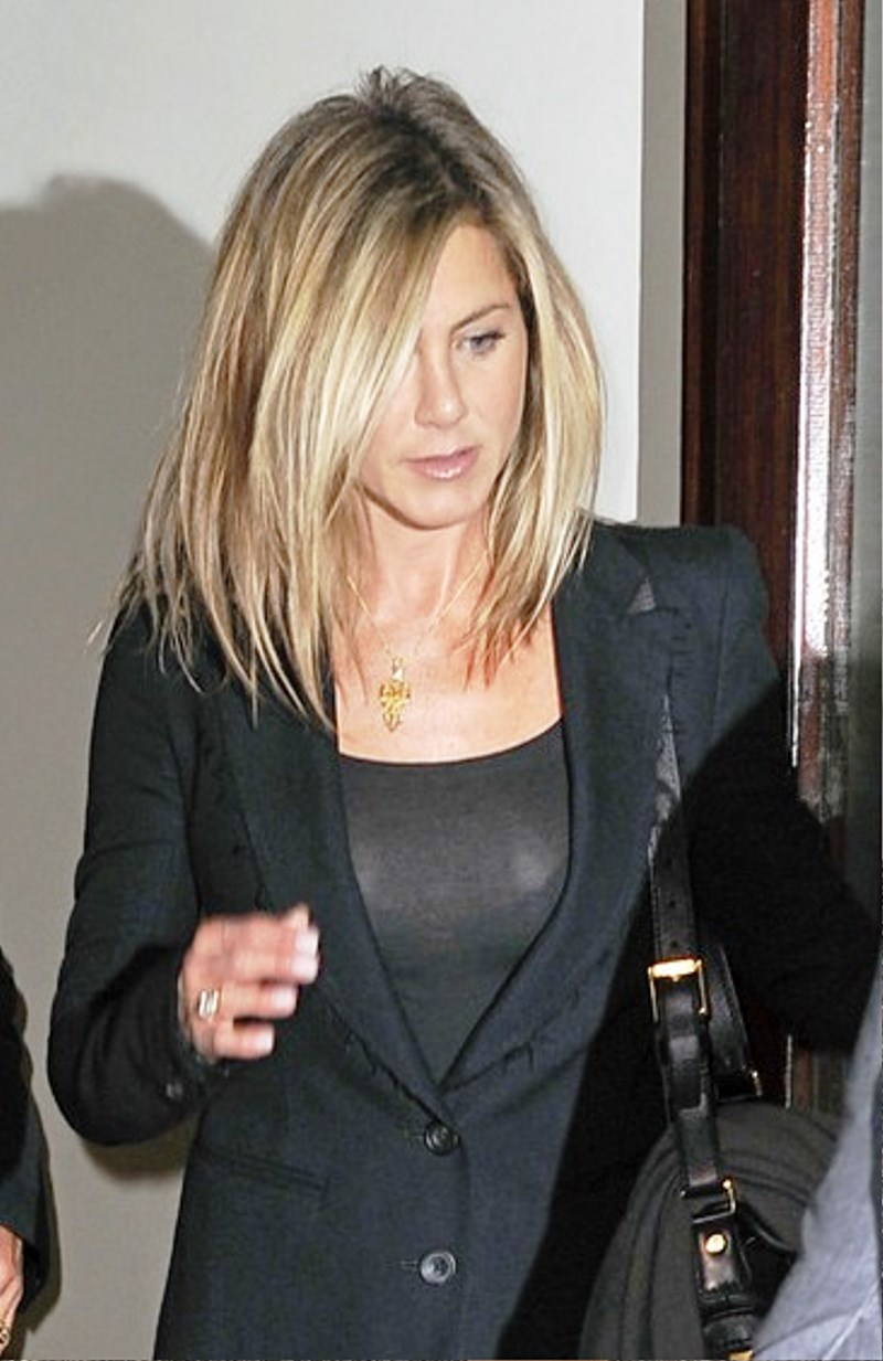 Pictures Of Jennifer Aniston Medium Hairstyle