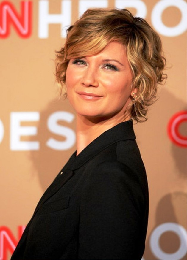 Jennifer Nettles Short Curly Hairstyle