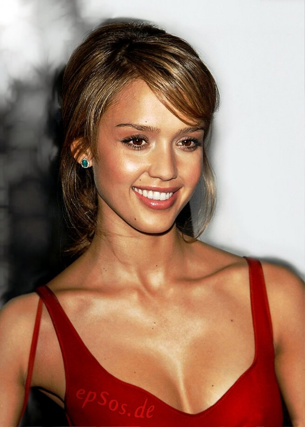 Jessica Alba With Short Haircut