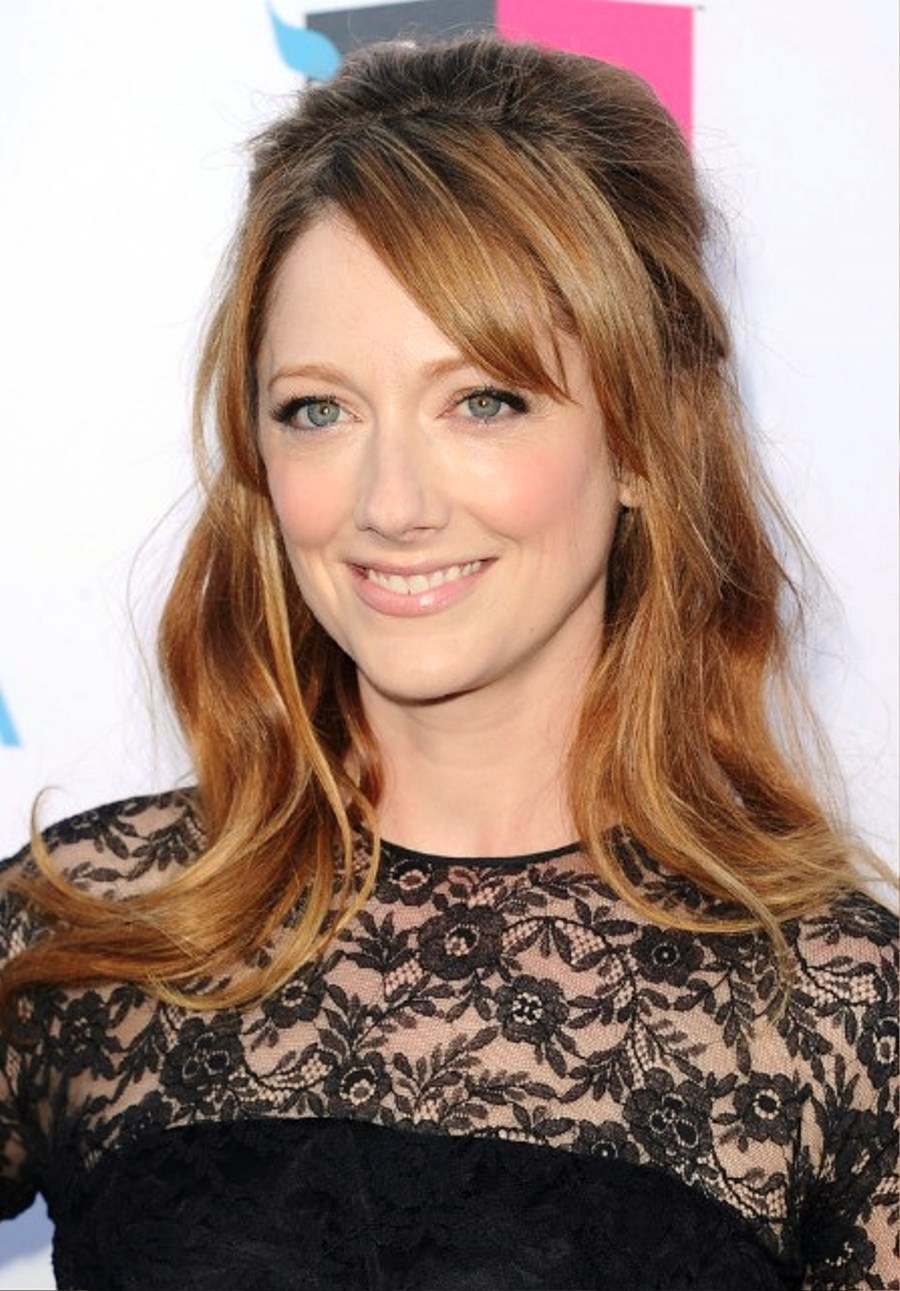 Judy Greer Half Up Down Hairstyle With Side Swept Bangs Pictures