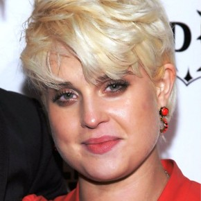 Kelly Osbourne Short Blonde Pixie Haircut