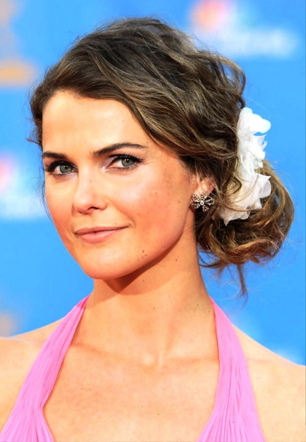 Keri russell wavy loose side bun updo behairstyles keri russell wavy loose side bun updo pmusecretfo Image collections