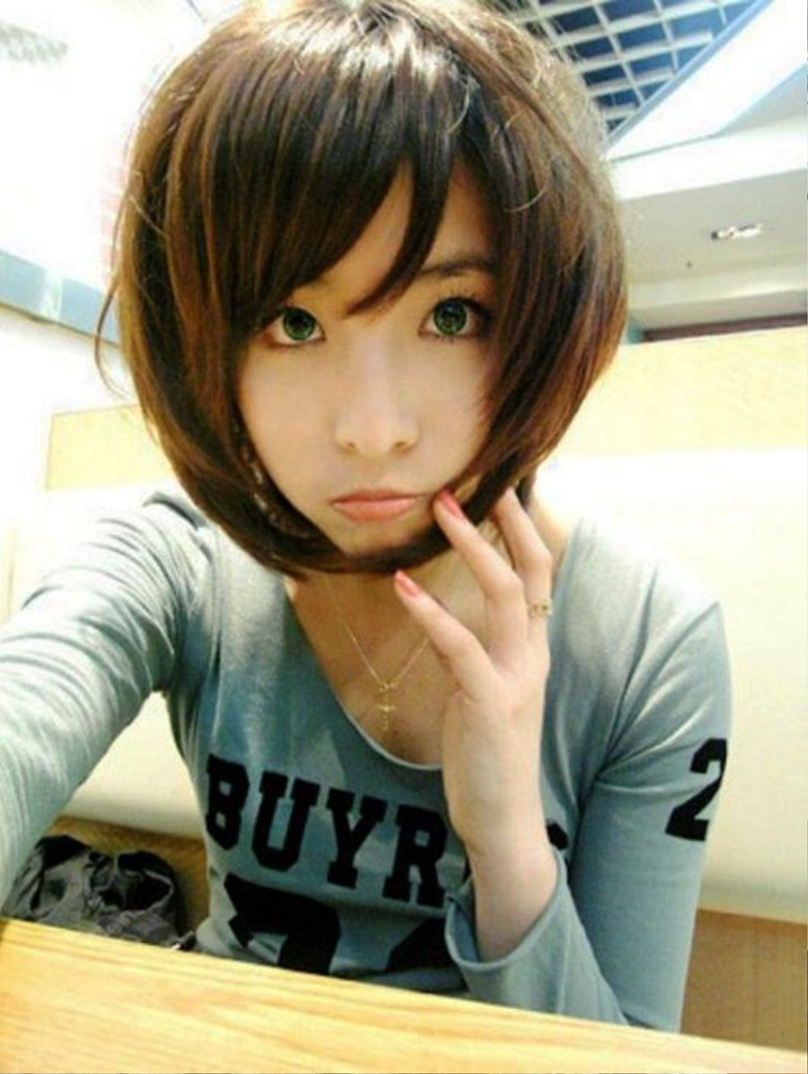 pictures of latest popular short bob hairstyle with long