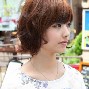 Layered Short Wavy Bob Hairstyle