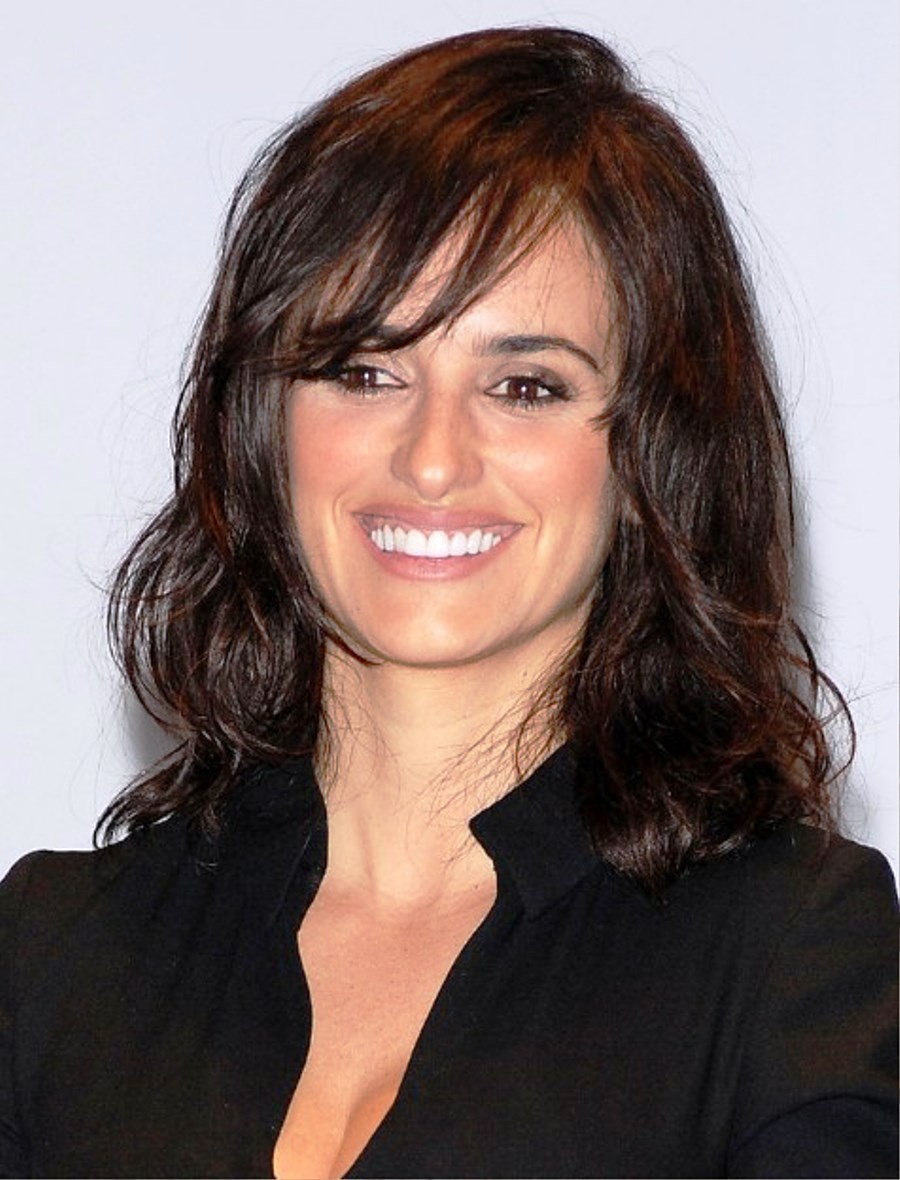 pictures of layered shoulder length wavy hairstyle