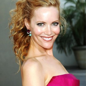 Leslie Mann Half Up Half Down Wedding Hair