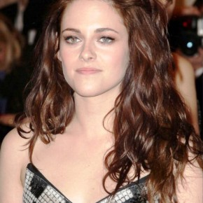 Long Wavy Hairstyles By Kristen Stewart