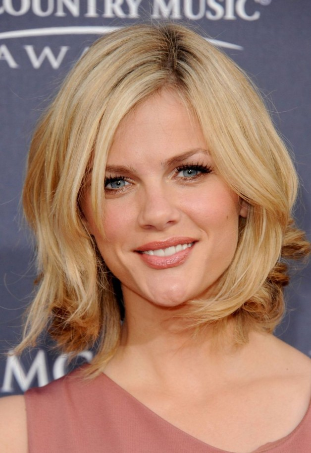 Medium Hairstyles For Young Women