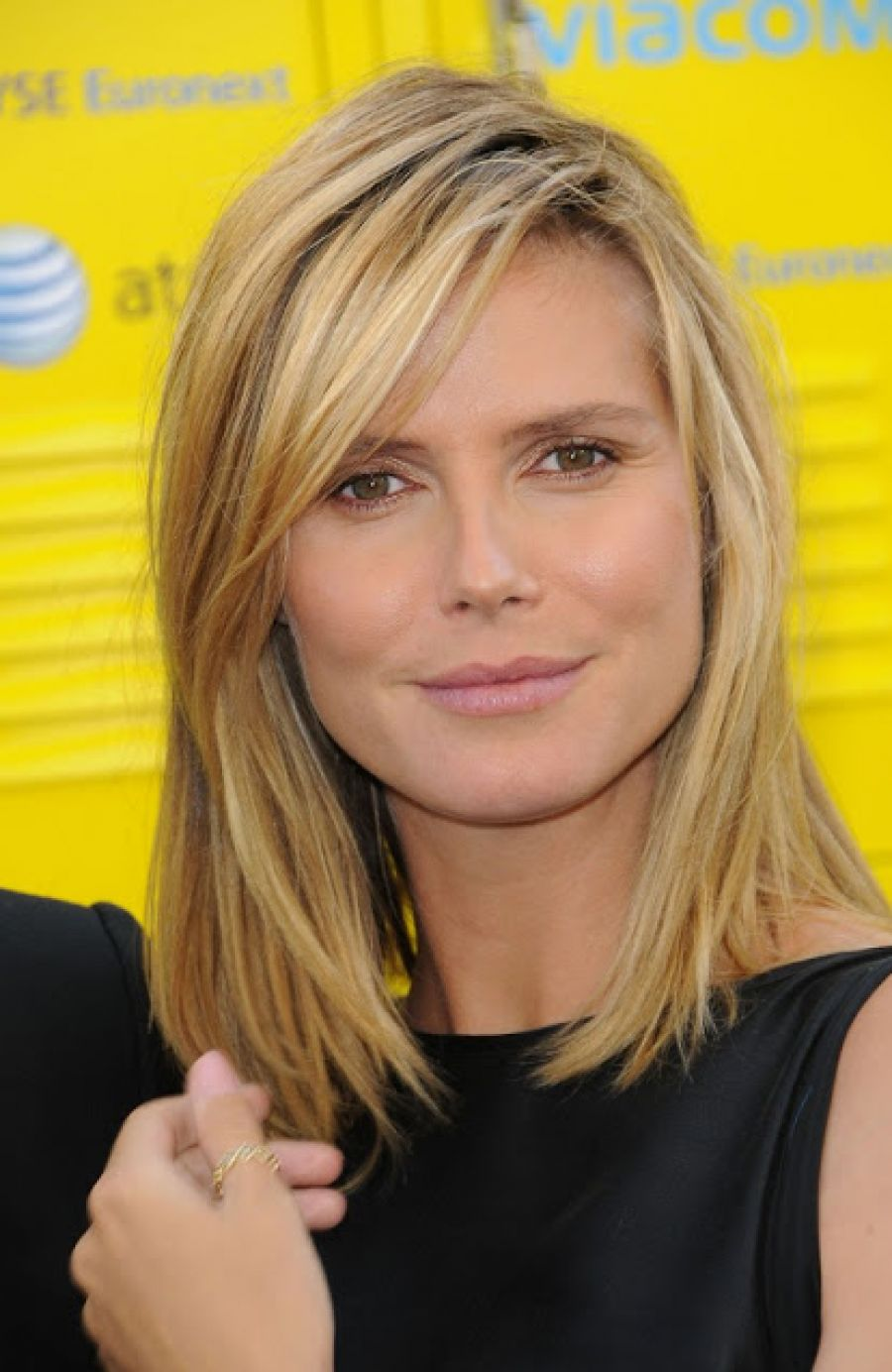Pictures of Medium Hairstyles No Bangs