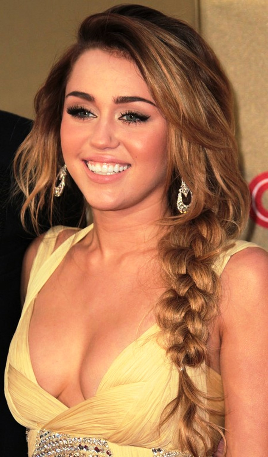 Wondrous Pictures Of Miley Cyrus Long Braided Hairstyle Side Braid Hairstyle Inspiration Daily Dogsangcom