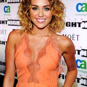 Miley Cyrus Medium Ombre Wavy Hairstyle
