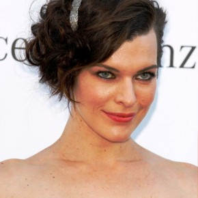 Milla Jovovich Curly Bob Hairstyle 2013
