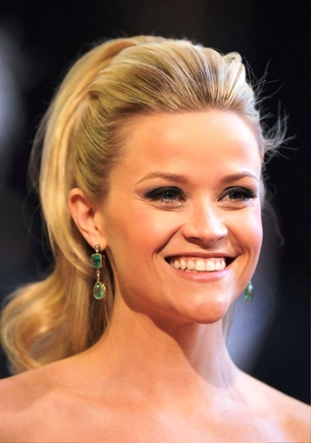 Reese Witherspoon Retro Half Up Half Down Hairstyle