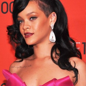 Rihanna Long Black Wavy Hairstyles