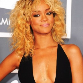 Rihanna Medium Curly Ombre Hairstyle
