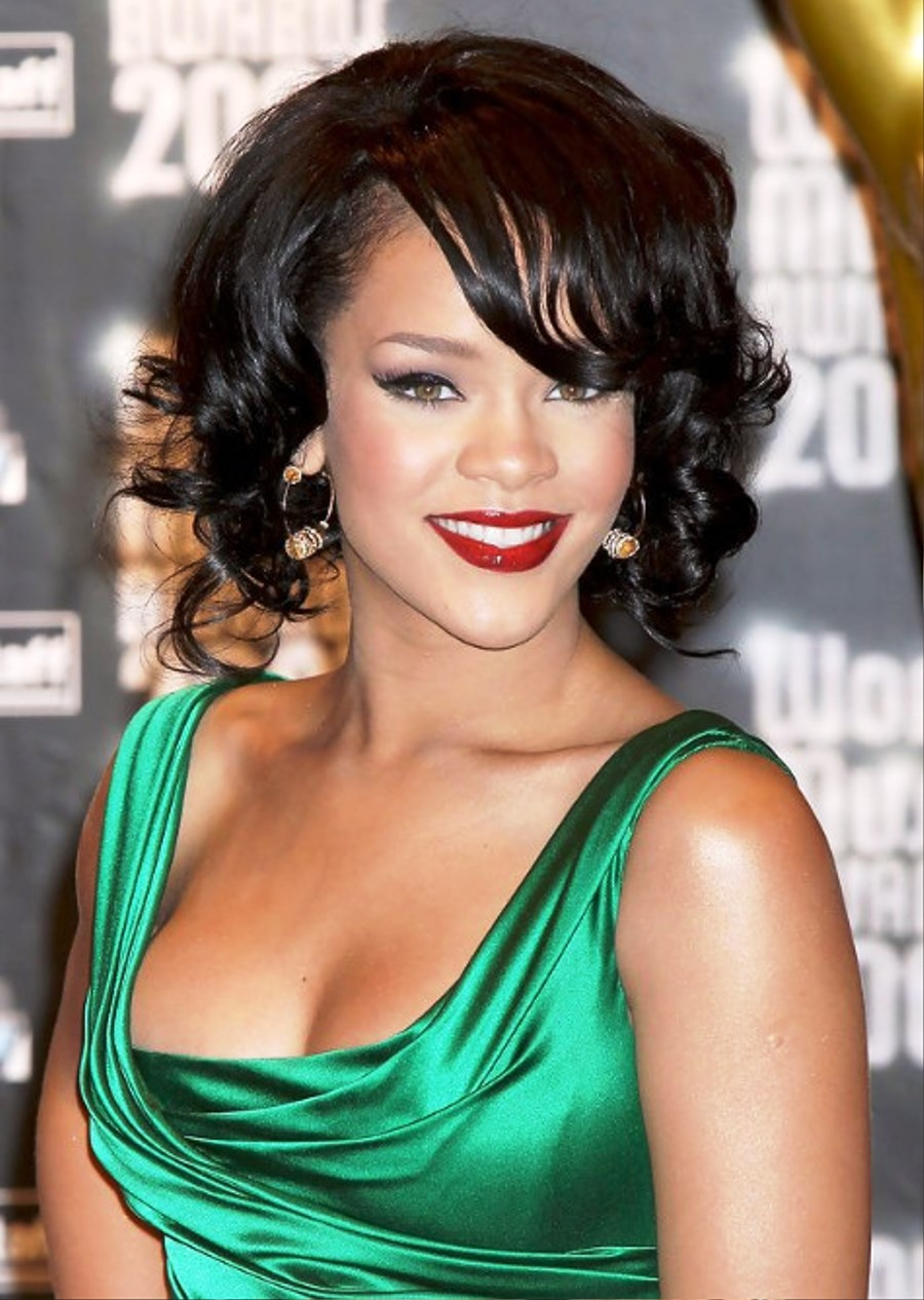 Peachy Pictures Of Rihanna Short Curly Bob Hairstyle Short Hairstyles For Black Women Fulllsitofus