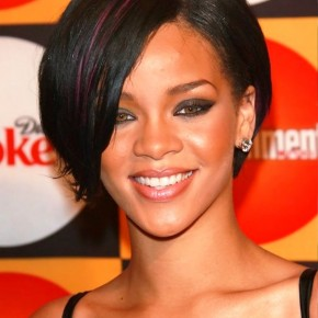 Rihanna Short Hairstyle With Streaks