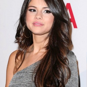 Selena Gomez Long Wavy Hairstyle