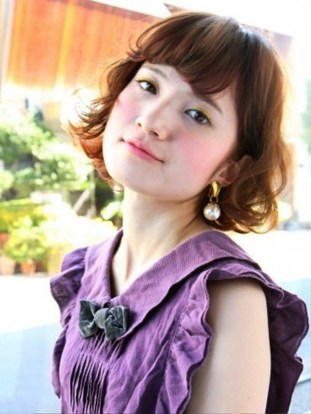 Short Japanese Hairstyle With Curls